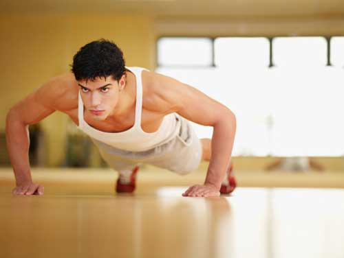 Para aumentar masa muscular, necesitas consumir más calorías de las que gastas.